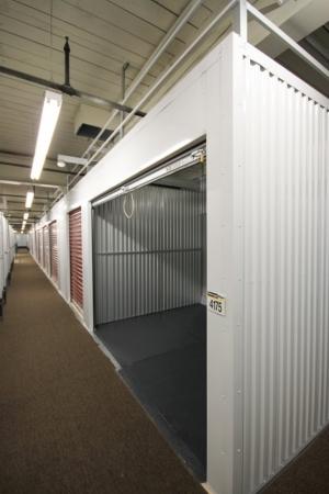 StorageMart - Mandela Pkwy & I-580 - Photo 4