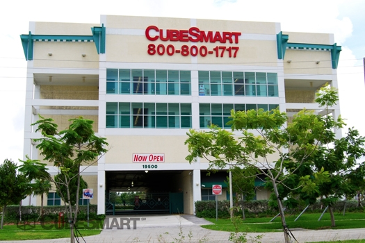CubeSmart Self Storage - 19500 W Dixie Hwy, Miami FL 33180