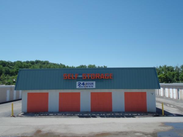 A Storage Inn - Ballwin - Photo 4