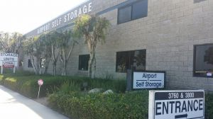 Airport Self Storage - Newport Beach - 3760 Campus Dr