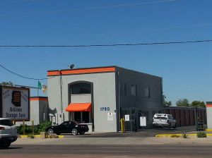 Arizona Storage Inns - Country Club