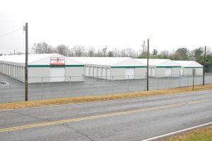 Red Dot Storage - East 22nd Avenue  sc 1 st  SpareFoot & 15 Cheap Self-Storage Units Goodlettsville TN from $19: FREE Months ...