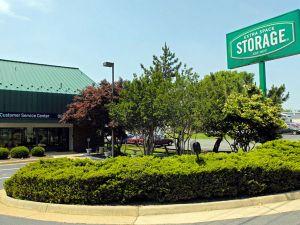 Extra Space Storage - Fredericksburg - Jefferson Davis Hwy & 15 Cheap Self-Storage Units Stafford VA w/ Prices from $19/month