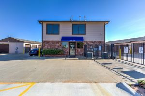 Simply Self Storage - Oklahoma City, OK - NW 122nd Street