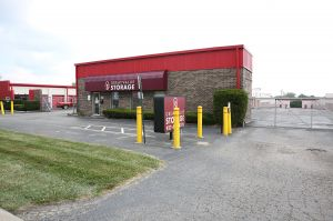 Great Value Storage - Centerville Westpark  sc 1 st  SpareFoot & 15 Cheap Self-Storage Units Kettering OH from $19: FREE Months Rent