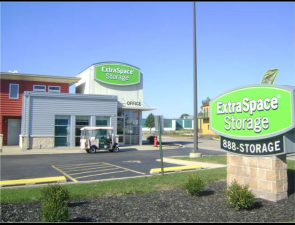 Extra Space Storage - North Aurora - Lincolnway