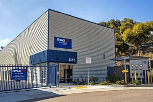 StaxUp Storage - Hill Street & 15 Cheap Self-Storage Units San Diego CA w/ Prices from $19/month