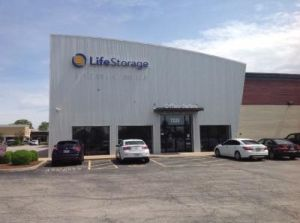 Life Storage - Hazelwood - North Lindbergh Boulevard