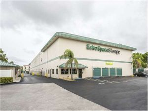 Extra Space Storage - Miami - SW 127th Ave & 15 Cheap Self-Storage Units Hialeah FL w/ Prices from $19/month