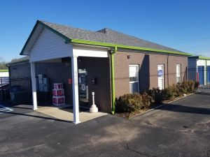 Midgard Self Storage - Chisholm Rd