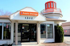 Public Storage - Portland - 1202 SE 82nd Ave