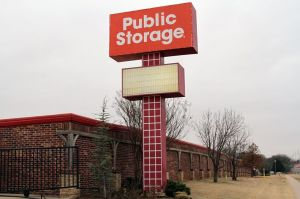 Public Storage - Edmond - 640 NW 164th St