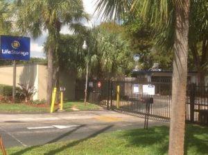 Life Storage - Delray Beach - 551 South Congress Avenue & 15 Cheap Self-Storage Units Boynton Beach FL w/ Prices from $19/month