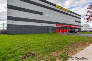 CubeSmart Self Storage   Medford